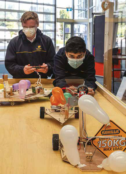 Hands-on learning in Beaconhills College's technology centres
